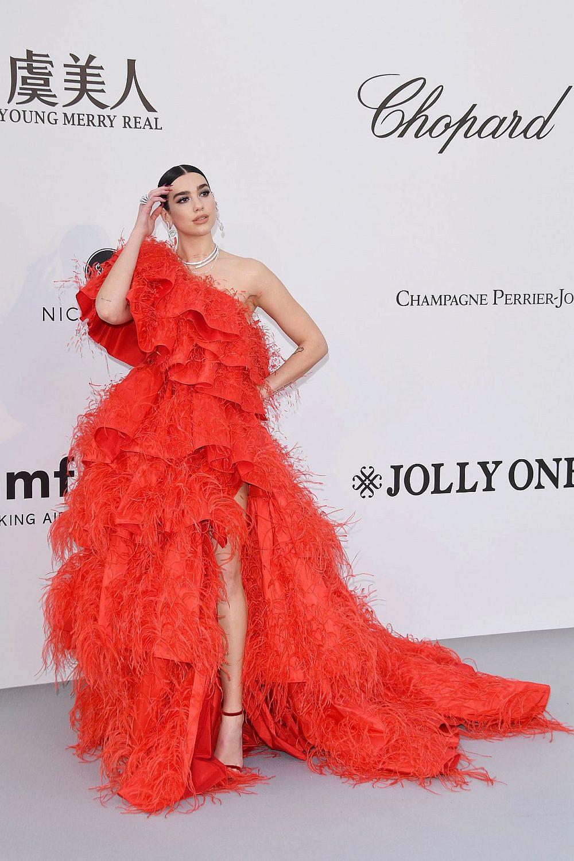 דואה ליפה לובשת ולנטינו קוטור, 2019 | צילום: Daniele Venturelli/Getty Images