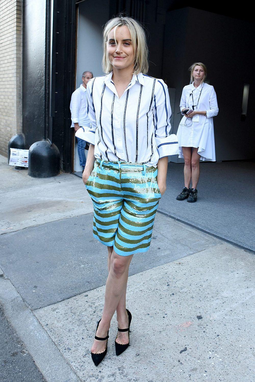 השחקנית טיילור שילינג לובשת ג'יי קרו   צילום: Vivien Killilea/Getty Images