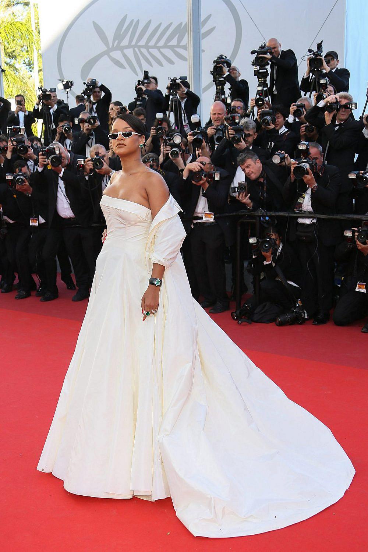 ריהאנה לובשת דיור קוטור, 2017 | צילום: Tony Barson/FilmMagic