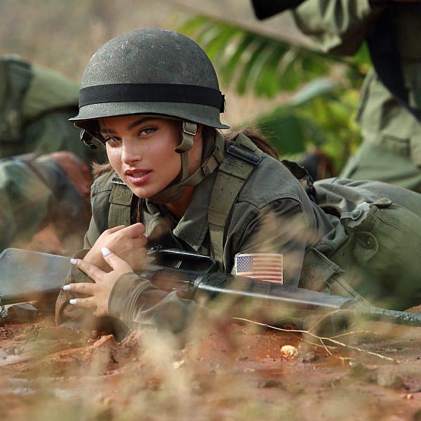 נועה קירל בפרסומת ל-yes | צילום: אייל נבו