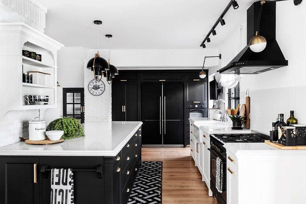 בית שחור לבן – המטבח | עיצוב פנים: קרן ניב טולדנו, צילום: איתי בנית