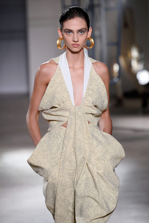 התצוגה של פרואנזה סקולר בשבוע האופנה בניו יורק | צילום: Fernanda Calfat/Getty Images