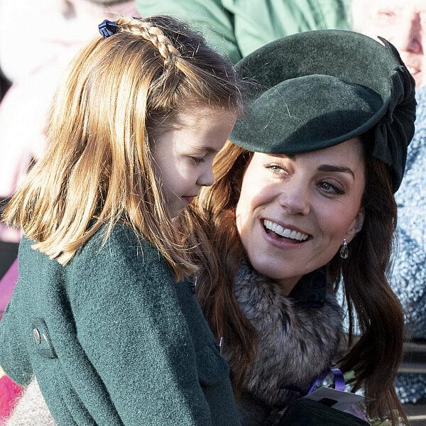קייט מידלטון והנסיכה שרלוט. לא ממש צריכות להיות מודאגות מהשיבוץ לגן עירייה | צילום:  UK Press Pool/UK Press via Getty Images.