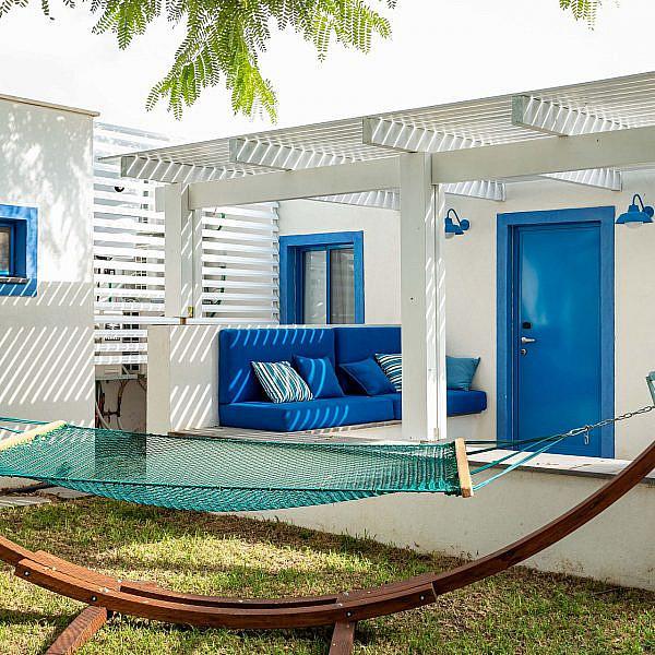 האגף היווני החדש במלון נחשולים | צילום שרית גופן