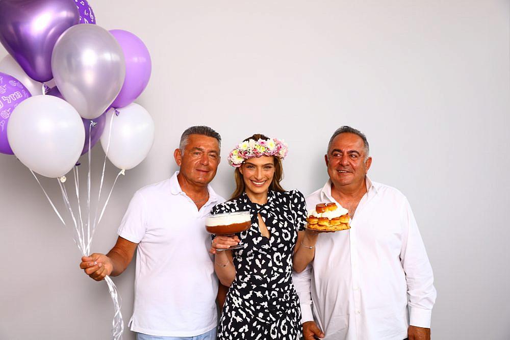 מימין לשמאל: דוד גולברי,אילנית לוי ויעקב גולברי | צילום: יניב אדרי
