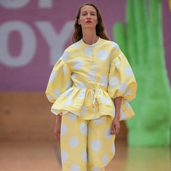 תצוגת אביב-קיץ 2020 של סטינה גויה | צילום: Yuliya Christensen/Getty Images