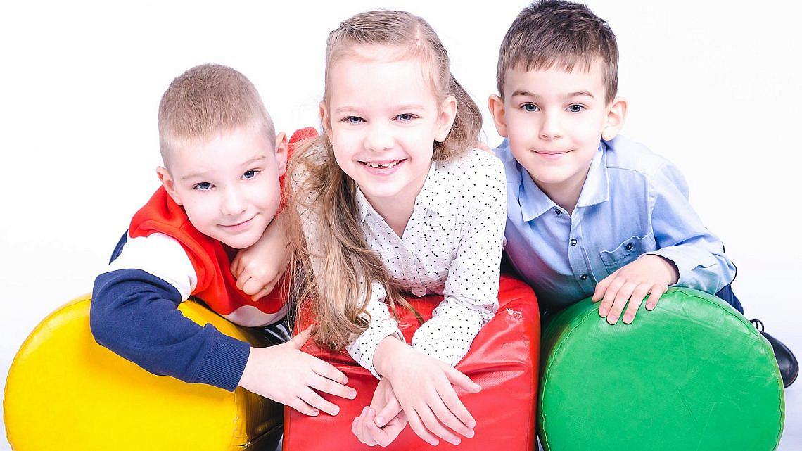 לגדל ילדים בשיטת הרמזור | צילום: Shuttestock