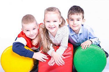 לגדל ילדים בשיטת הרמזור   צילום: Shuttestock