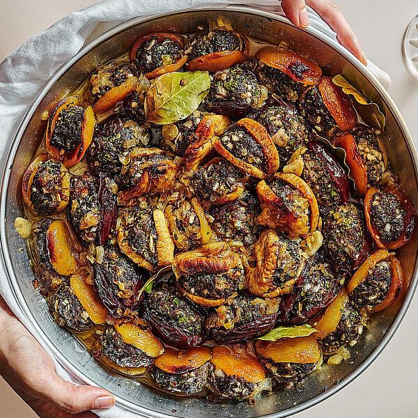 פירות יבשים ממולאים טלה של רותם ליברזון. צילום אמיר מנחם