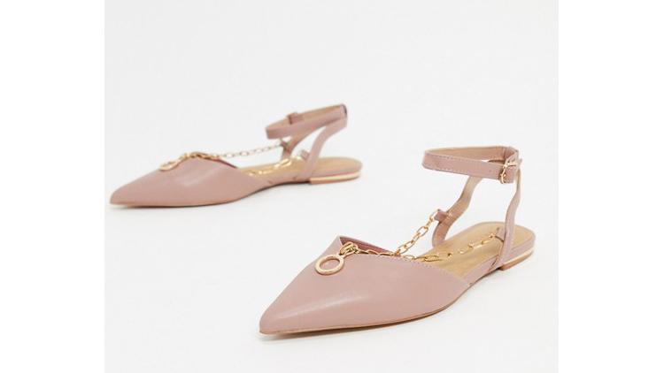 נעליים של אסוס, מחיר 135 שקל | צילום מסך מאסוס