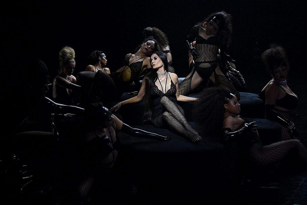 דמי מור בתצוגה של ריהאנה   צילום: Kevin Mazur/Getty Images