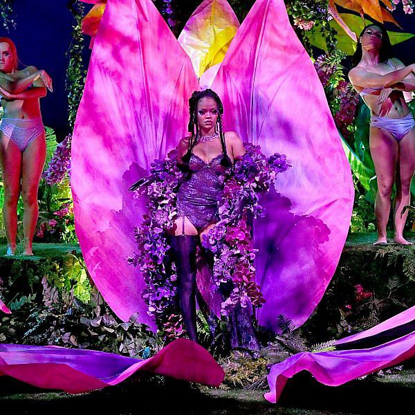 ריהאנה בתצוגה של סוואג'Xפנטי | צילום:  Kevin Mazur/Getty Images