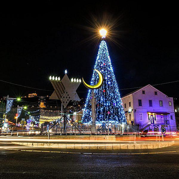 כריסמס בחיפה (צילום: ניר בלזצקי)