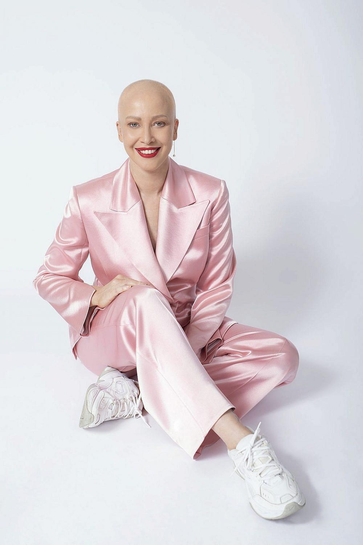 מירית גרינברג | צילום: זהר שטרית, סטיילינג: שי לי ניסים, חליפה: Echo by Tamar Netanely, עגילים: הוט קראון