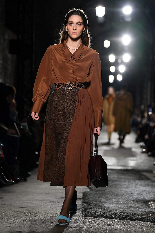 התצוגה של רג'ינה פיו בשבוע האופנה לונדון   צילום: DANIEL LEAL-OLIVAS/AFP via Getty Images