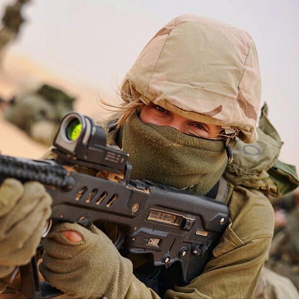 חיילת קרבית (למצולמת אין קשר לטור) | צילום: Shutterstock