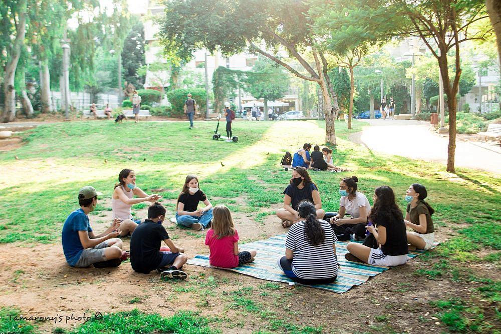 פעילות של עמותת חמניות (צילום: גלית סבג)