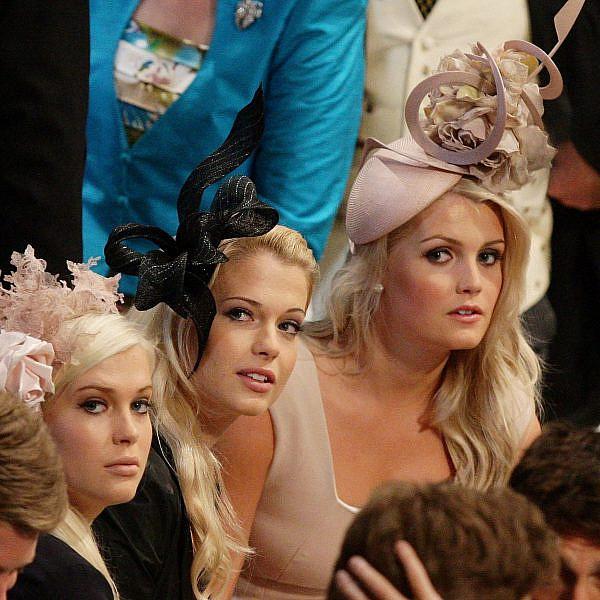 קיטי, והתאומות אמיליה ואלייזה ספנסר | צילום: Dave Thompson - WPA Pool/Getty Images