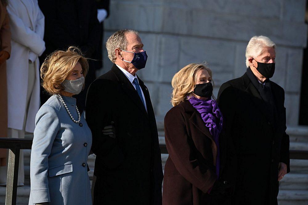 ביל והילרי קלינטון וג'ורג' ולורה בוש | צילום: JIM WATSON/AFP via Getty Images