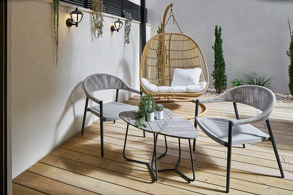 פינת ישיבה בדירת גן_עטופה בירוק | תכנון: שחר הכט, צילום: ליאור טייטלר