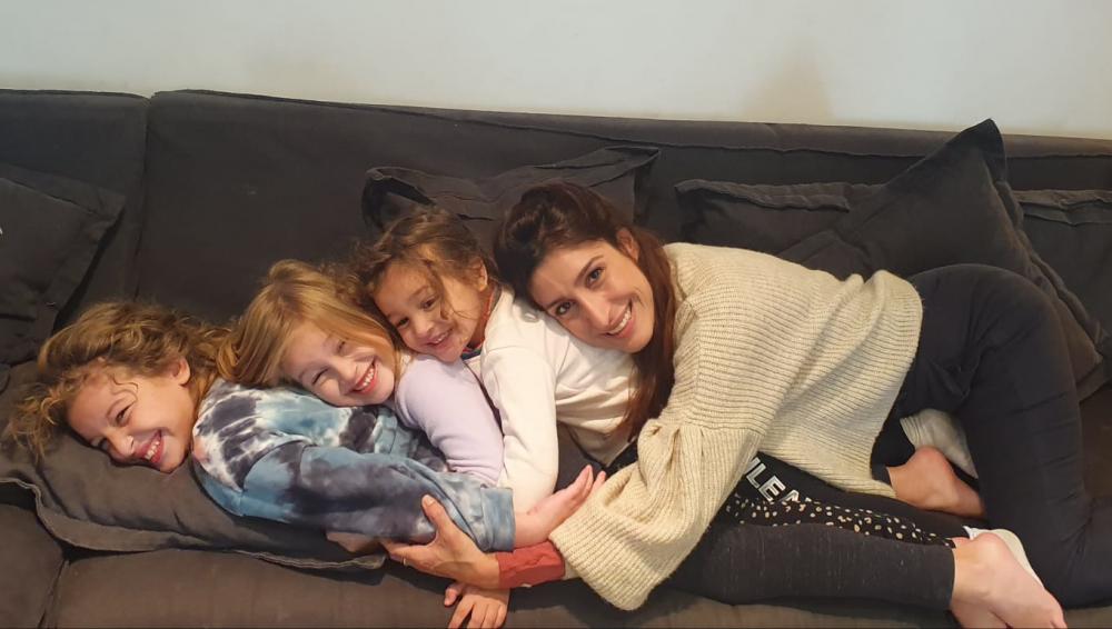 שני כהן עם הבנות