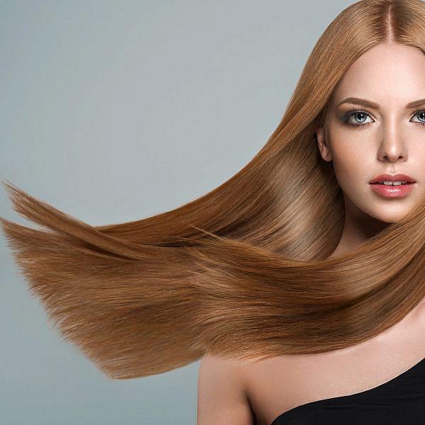 החלקת שיער | צילום: shutterstock