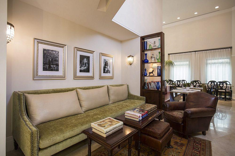 לובי מלון ארתור | צילום: נתן דביר