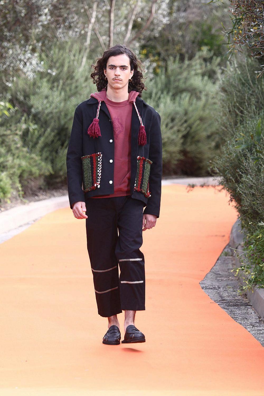 התצוגה של עמית לוזון ואייל אליהו למותג adish בשבוע האופנה תל אביב קורנית 2021 | צילום: סיון פרג