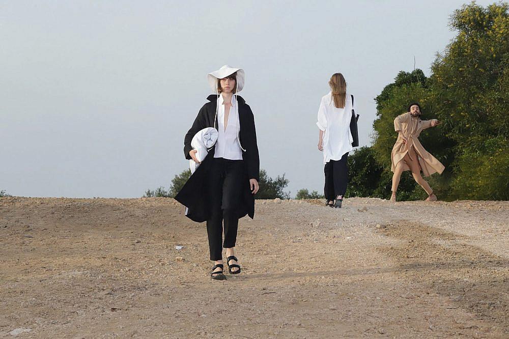 התצוגה של רונן חן בשבוע האופנה תל אביב קורנית 2021 | צילום: אבי ולדמן