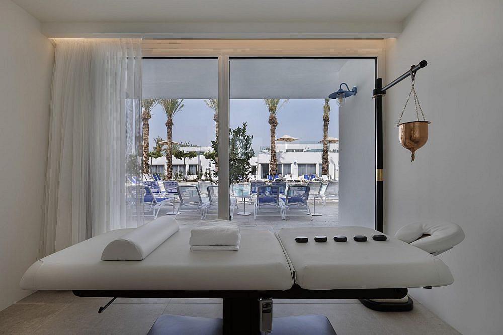 מלון מילוס ים המלח | צילום: אסף פינצ'וק