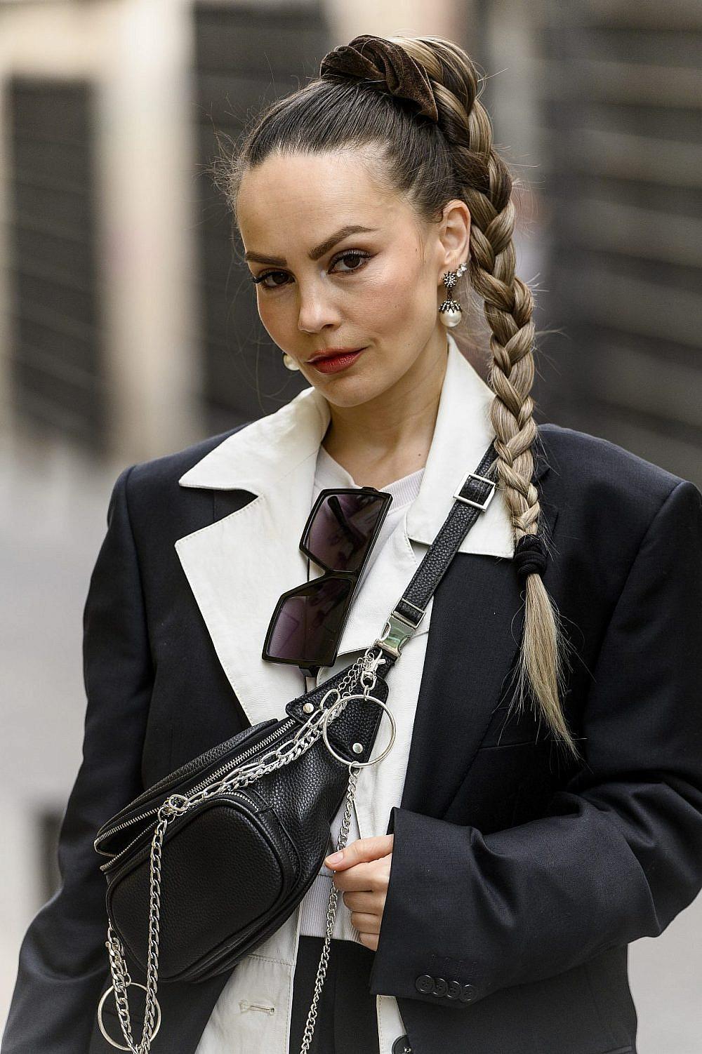 בלוגרית ועיתונאית האופנה דריה וסילייבה | צילום: Juan Naharro Gimenez/Getty Images