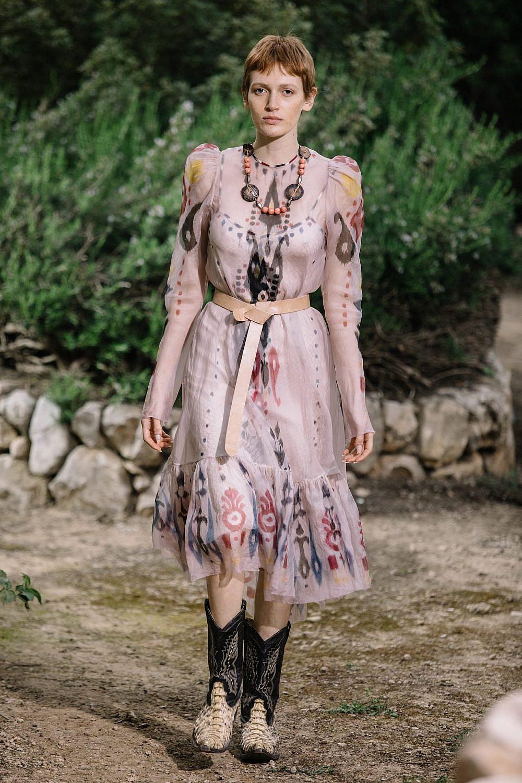 התצוגה של ויוי בלאיש בשבוע האופנה תל אביב קורנית 2021 | צילום: אורית פניני