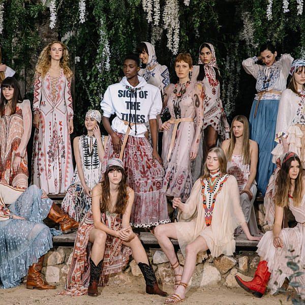 התצוגה של ויוי בלאיש בשבוע האופנה קורנית | צילום: אורית פניני