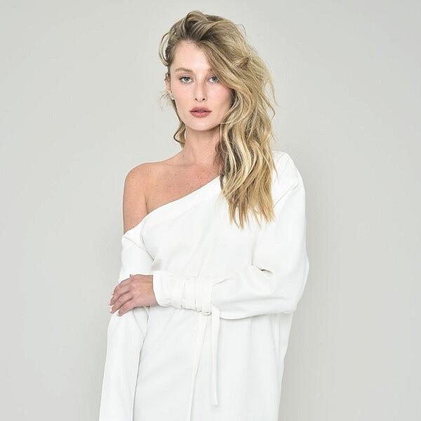 שמלה לבנה של המעצבת Asia, מחיר: 1890 ש