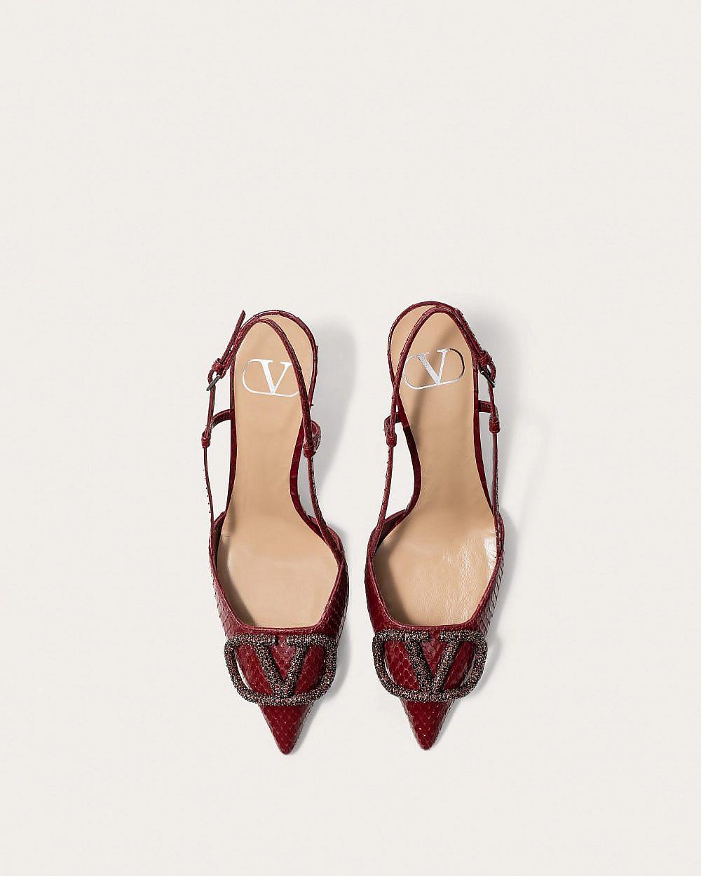 """נעליים מהקולקציית הקפסולה של ולנטינו למזרח התיכון   צילום: יח""""צ"""