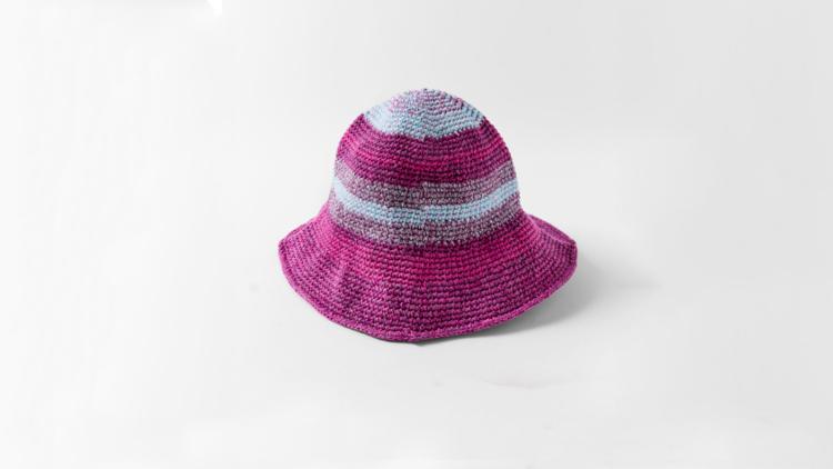 """כובע של זארה, מחיר 120 ש""""ח   צילום: יח""""צ"""