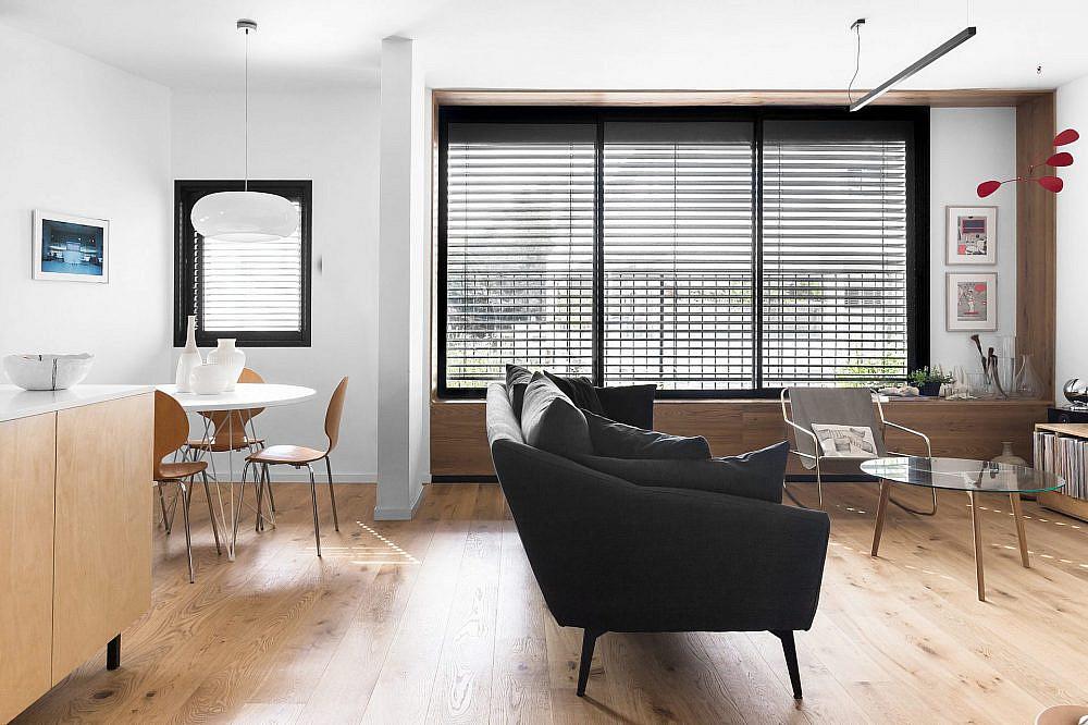הסלון משתלב בחלל | עיצוב: תמי פמפנל שנקר, צילום: מאיה אבגר