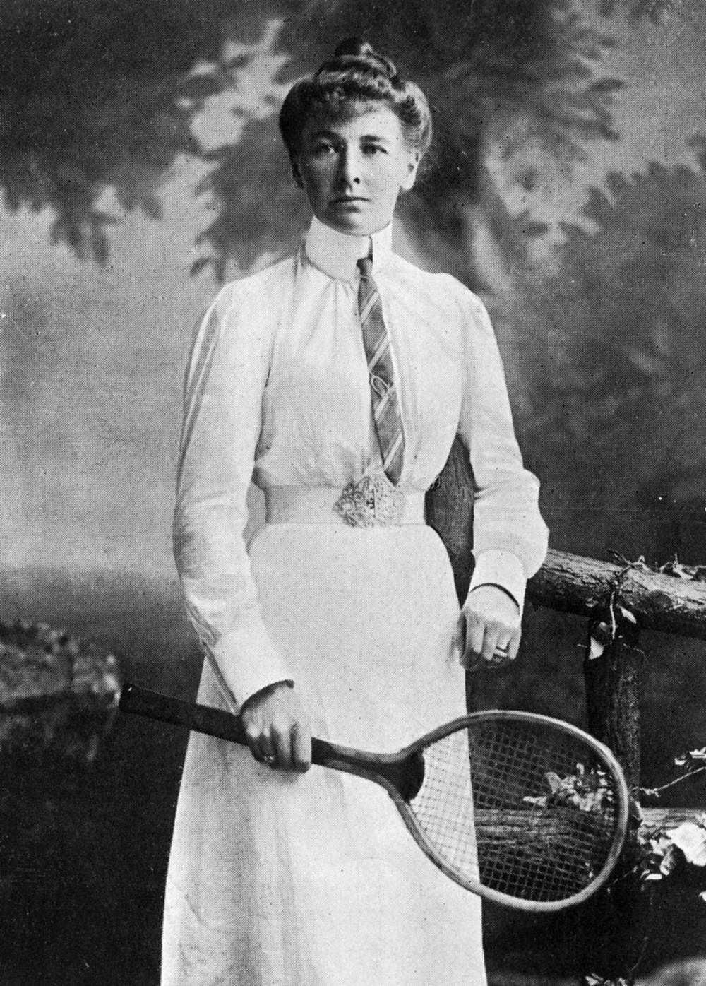 הטניסאית שרלוט קופר בצילום משנת 1908   צילום: GettyImages