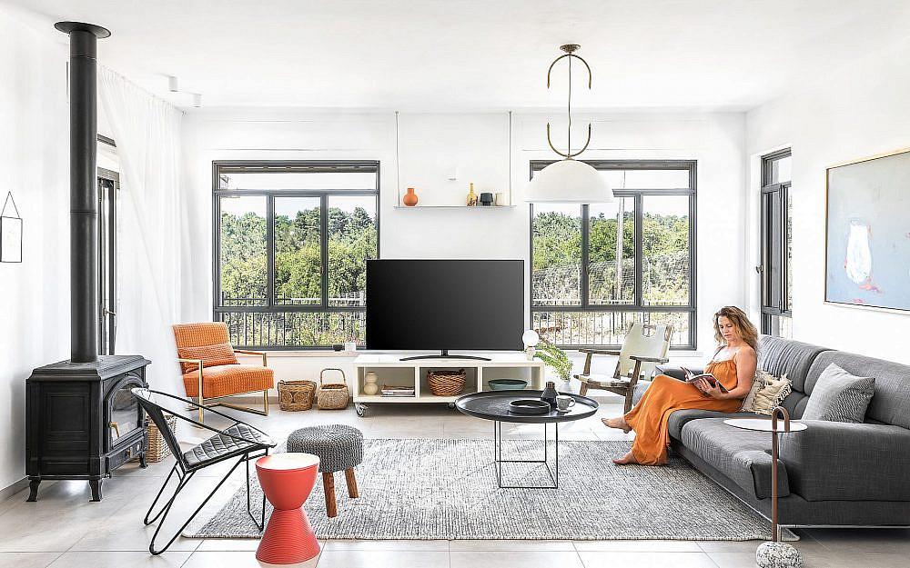 בתכנון הנוכחי יש שתי יציאות לחצר – אחת מהסלון והשנייה מהמטבח | צילום: אורן עמוס