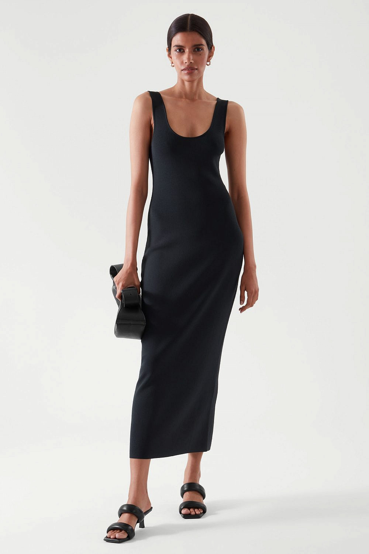 "COS, שמלה 395 ש""ח   צילום: יח""צ COS"