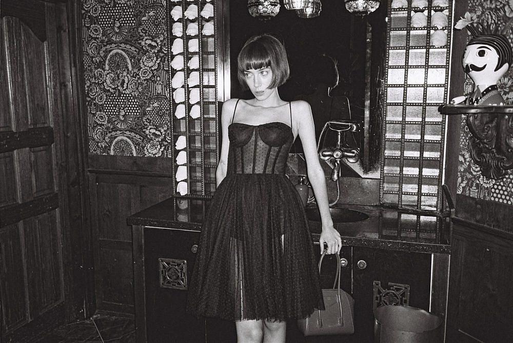 שמלה מתוך קולקציית הקפסולה של גליה להב ופקטורי 54. מחיר: 11,990 ש״ח| צילום: שלו אריאל