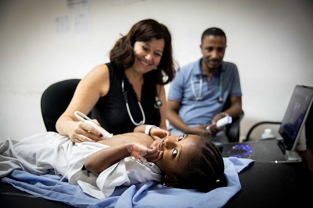 """ד""""ר אלונה ראוכר שטרנפלד, ראש קרדיולוגית ילדים בביה״ח וולפסון   צילום: הצל ליבו של ילד"""