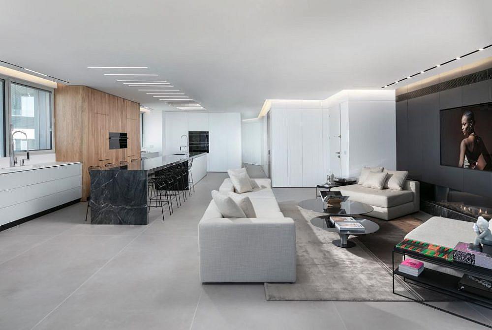 מבט אל הסלון, המטבח ואי האירוח   עיצוב פנים: אורון מילשטיין, צילום: אלעד גונן