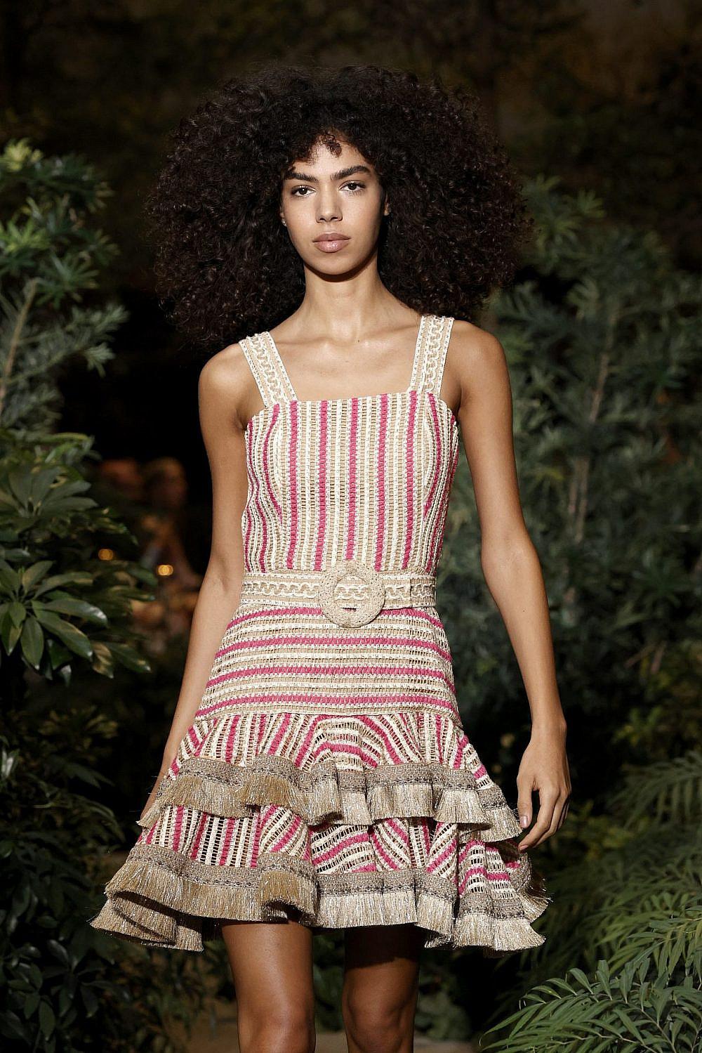הדוגמנית איב ספדי בשבוע האופנה בניו יורק  צילום: GettyImages