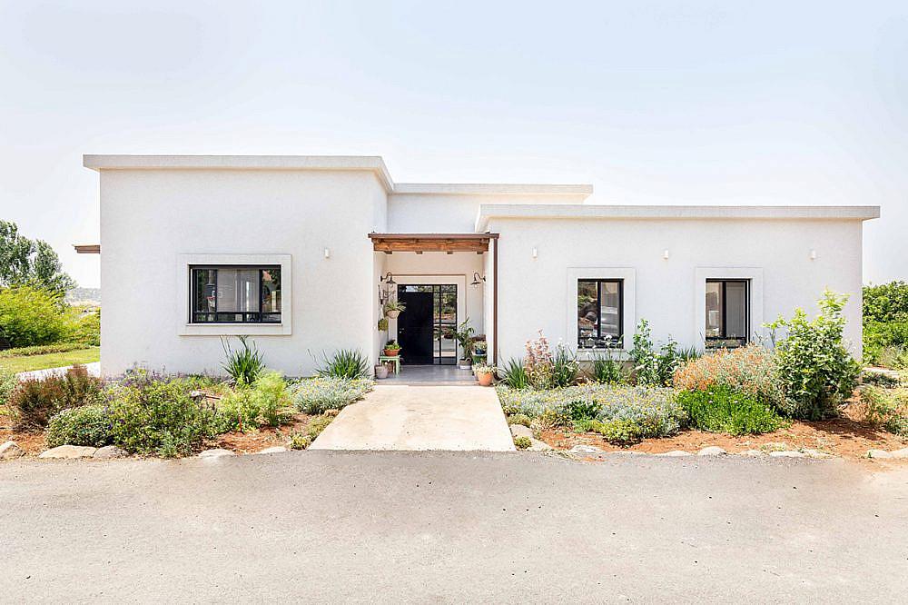 נבנה על הנחלה המשפחתית. בית בגלבוע   אדריכלות: רות חובב, עיצוב פנים: שני סלע, צילום: אורית ארנון