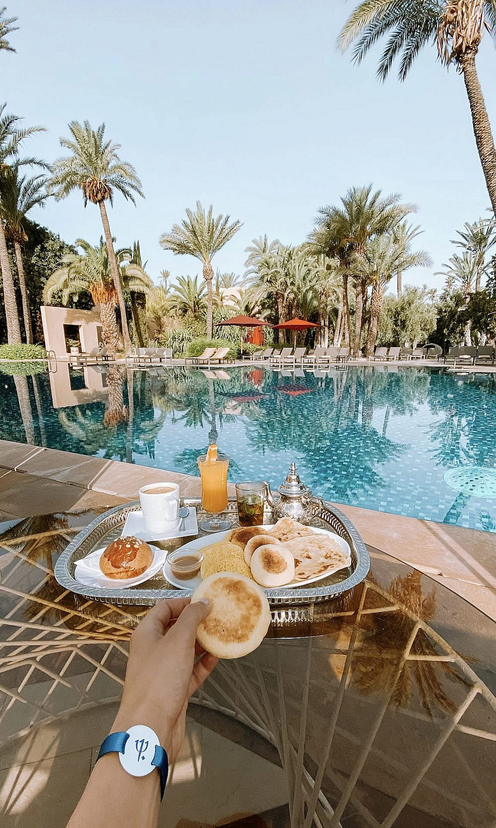בוקר ליד הבריכה   צילום באדיבות Club Med Marrakech La Palmeraie